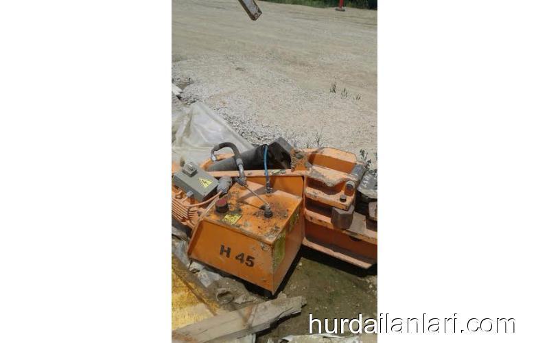 Demir Bükme Makinası